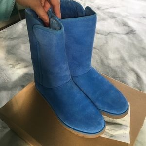BLUE BRAND NEW UGGS